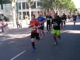 Corredores en la Cursa La Maquinista 2013