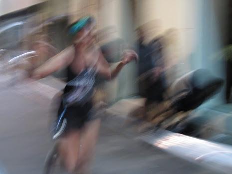 Una corredora popular en pleno proceso  de mutación a runner